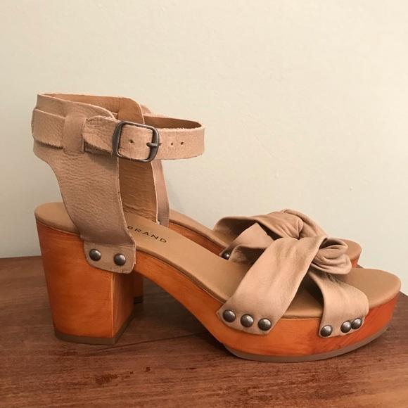 2ce6be3daa1 Lucky Brand Shoes - LUCKY BRAND WHITNEIGH PLATFORM HEELS